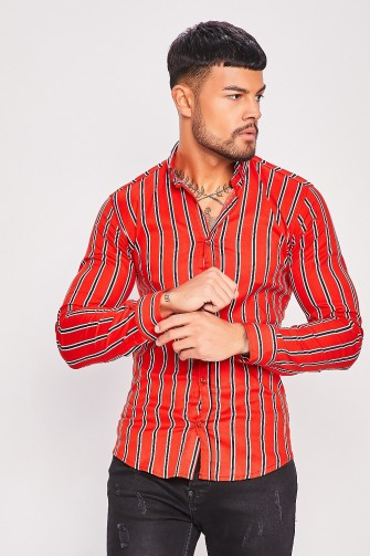 Chemise rouge à rayures